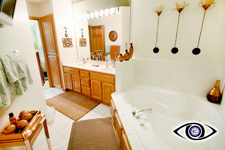 Real Estate Photography Bathrooms